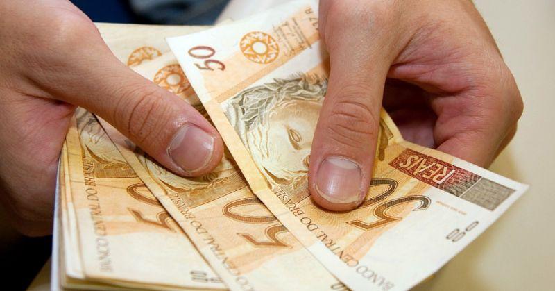 Janeiro começa com salário mínimo de R$ 937