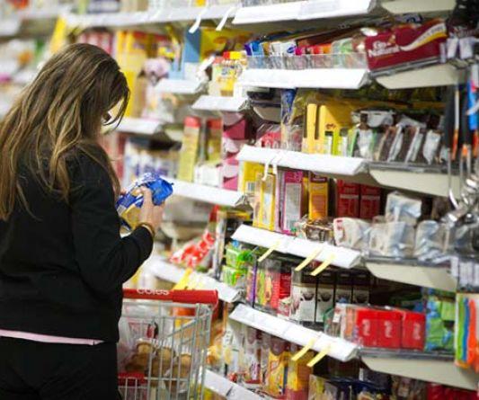Intenção de consumo das famílias sobe 0,9% em março