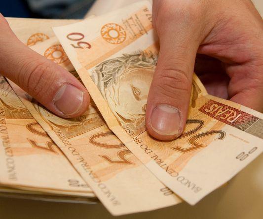 Comércio é autorizado a cobrar preço diferente de acordo com o meio de pagamento